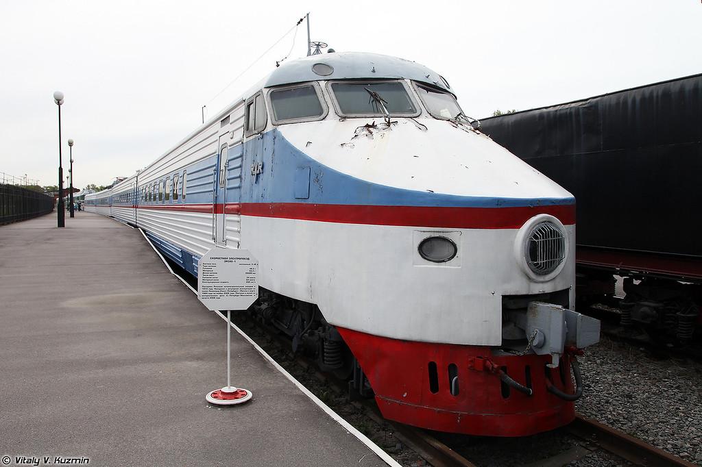 Скоростной электропоезд ЭР200-1 (ER200-1 electric locomotive)