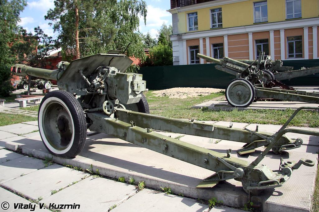 152-мм гаубица Д-1 (152-mm D-1 howitzer)