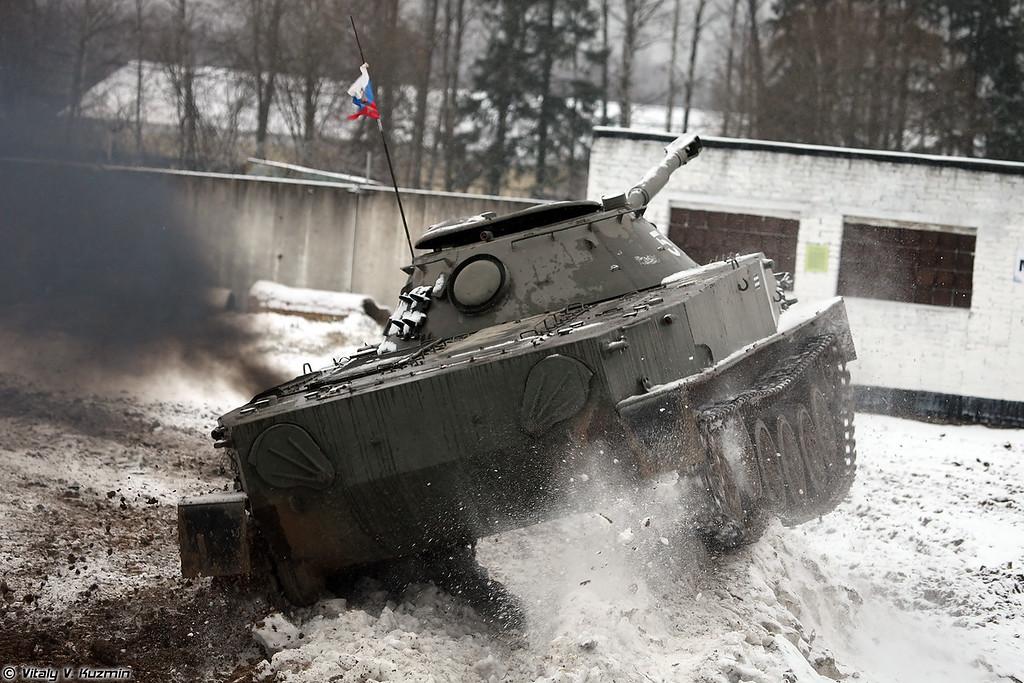 Плавающий танк ПТ-76Б (PT-76B light amphibious tank)