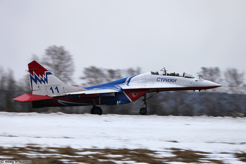 МиГ-29УБ АГВП Стрижи (MiG-29UB Swifts aerobatics team)