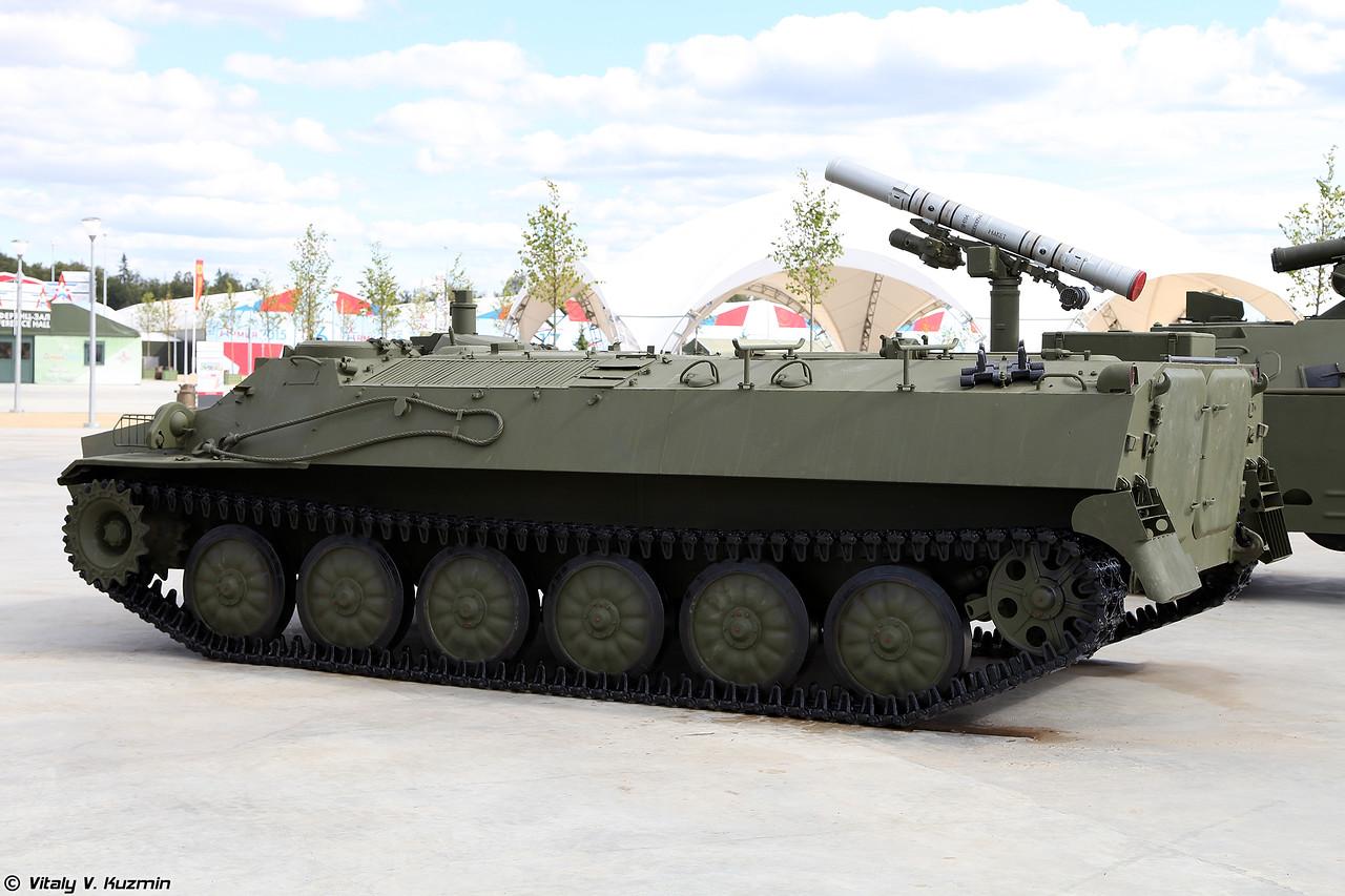 Боевая машина 9П149 самоходного противотанкового ракетного комплекса 9К114 Штурм-С (9P149 launching vehicle of 9K114 Shturm-S ATGM system)