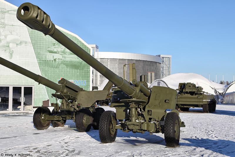 152-мм гаубица 2А65 Мста-Б (152mm howitzer 2A65 Msta-B)