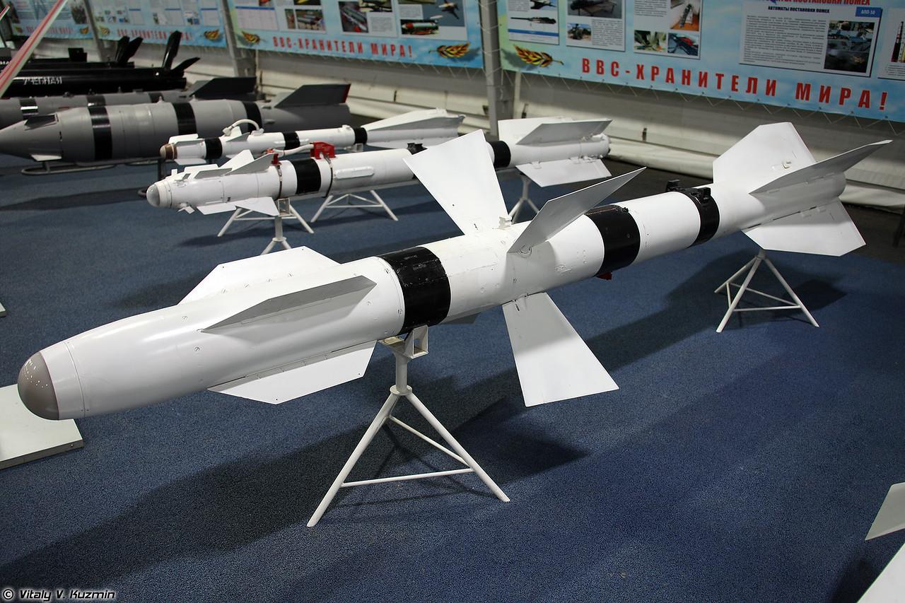 Авиационная управляемая ракета Р-27Т (R-27T medium-to-long-range air-to-air missile)