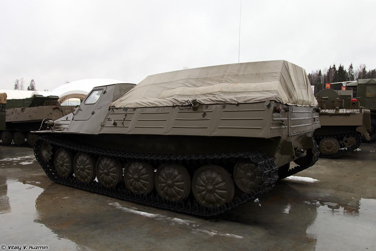 Дегазационный войсковой комплект ДКВ-1С на базе ГТ-Т (DKV-1S decontamination kit on GT-T transporter-tractor base)