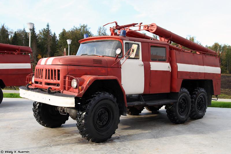 Автоцистерна пожарная АЦ-40 (131) модель 137 (ATs-40 (131) mod. 137 firetruck)