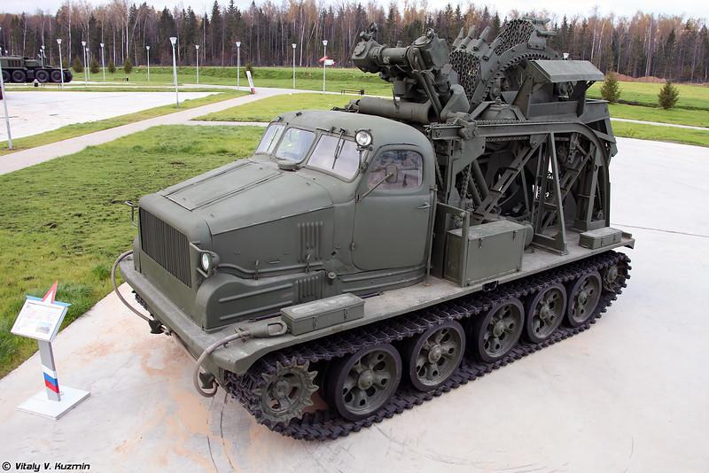 Быстроходная траншейная машина БТМ-3 (BTM-3 trenching vehicle)