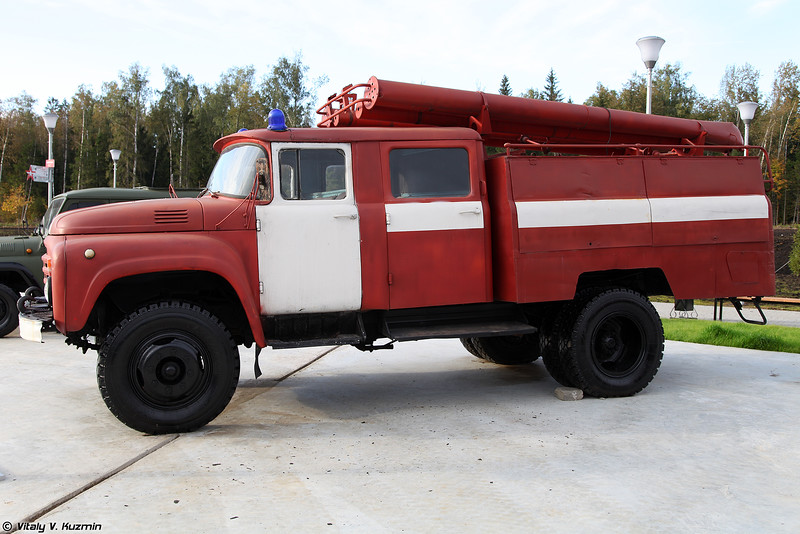 Автоцистерна пожарная АЦ-40(130) (ATs-40(130) firetruck)