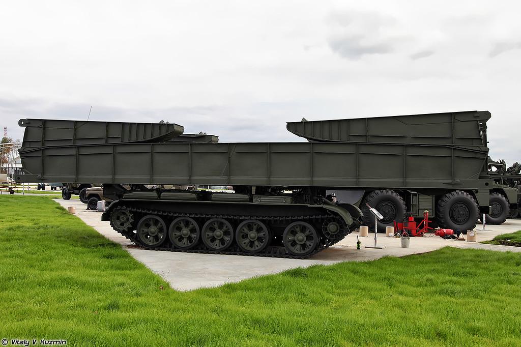 Танковый мостоукладчик МТУ-20 (MTU-20 armoured vehicle-launched bridge)