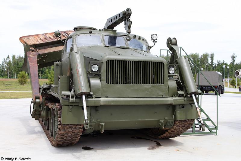 Путепрокладчик БАТ-М (BAT-M engineering vehicle)