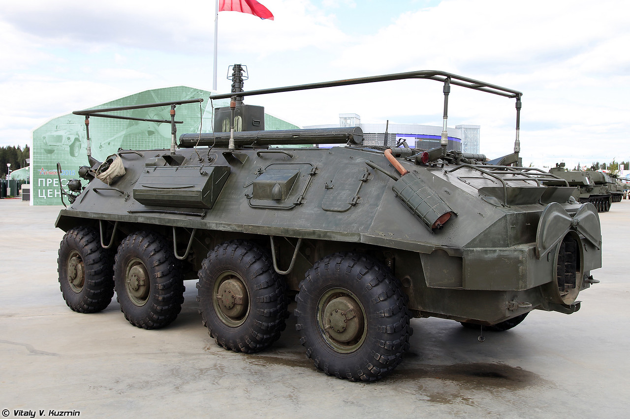 Командно-штабная машина Р-145БМ Чайка (R-145BM command vehicle)