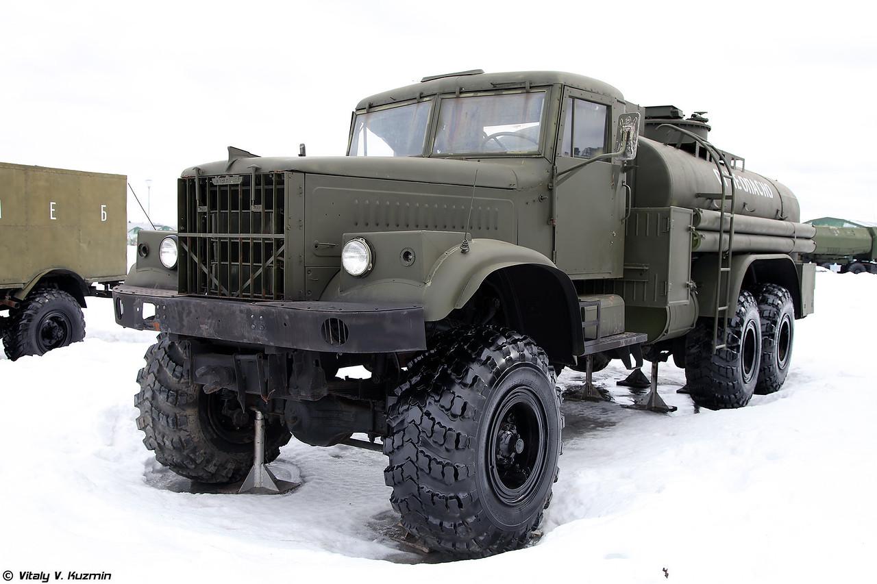 Топливозаправщик ТЗ-8-255Б (TZ-8-255B fuel truck)