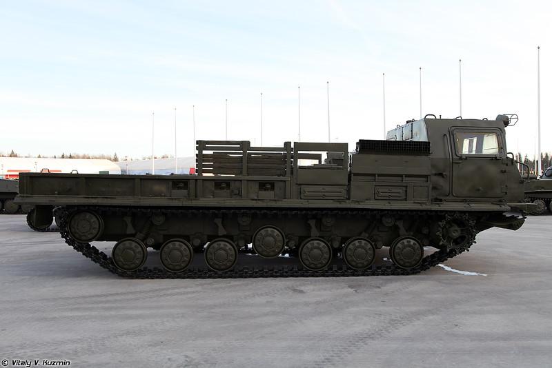 Транспортер-тягач МТ-Т (MT-T heavy transporter-tractor unit)