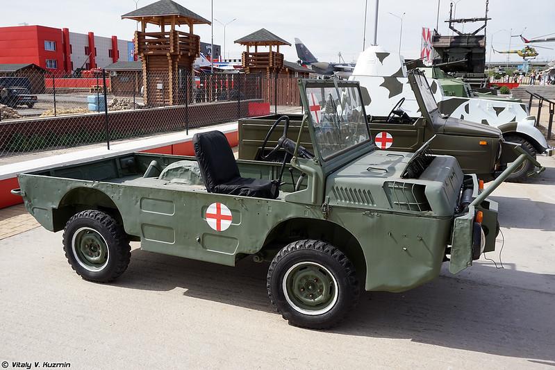 Транспортер переднего края ЛуАЗ-967М (LuAZ-967M TPK amphibious cargo vehicle)