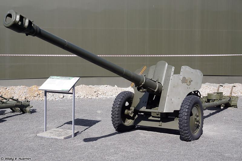 85-мм пушка Д-44 (85mm D-44 gun)