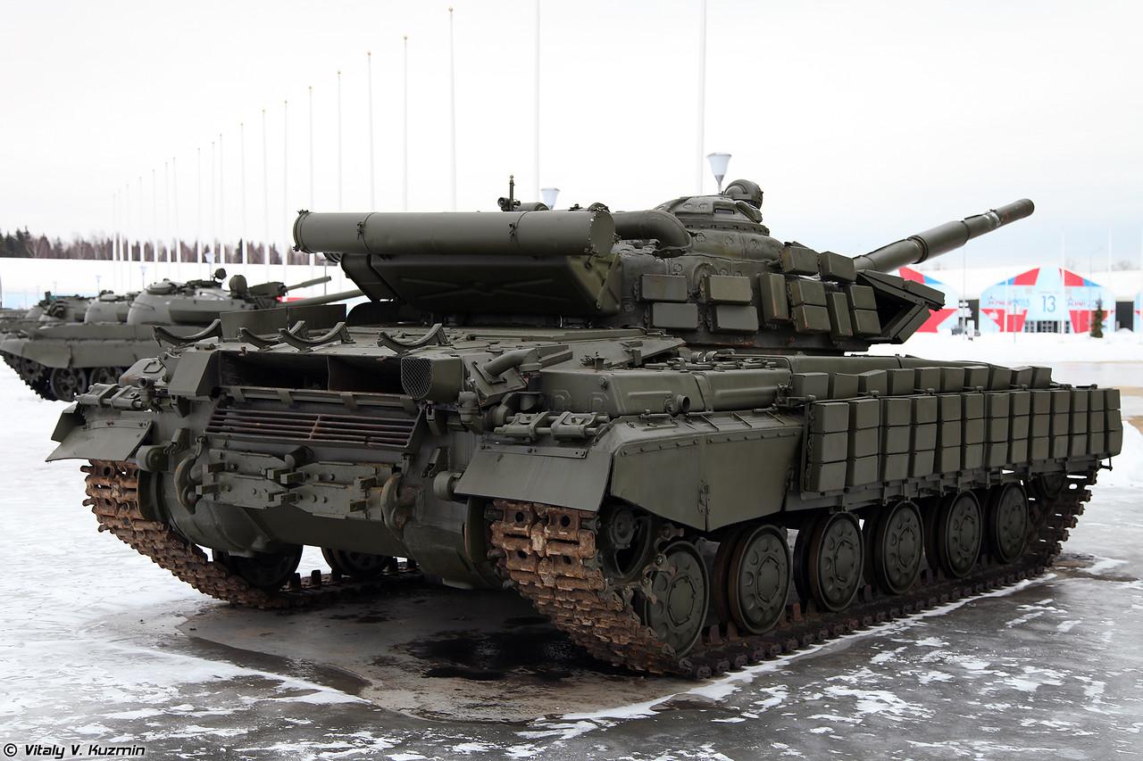 Командирский танк Т-64БВК (T-64BVK commander version)