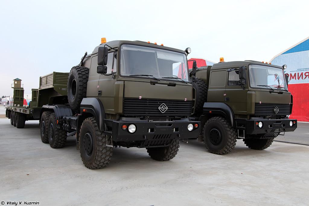 Седельный тягач Урал-63704 (Ural-63704 military tractor unit)