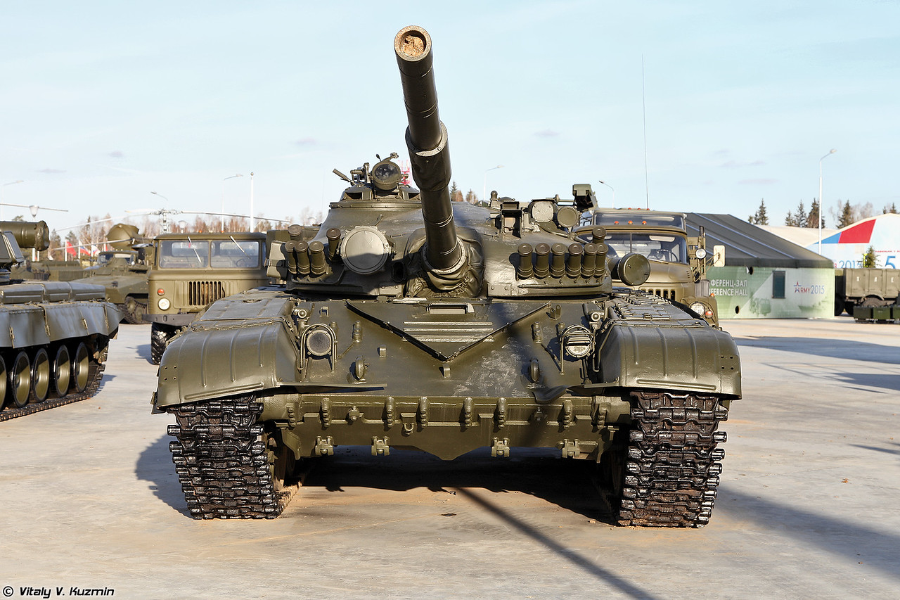 Еще один экземпляр Т-72А (Another one T-72A in the Park)