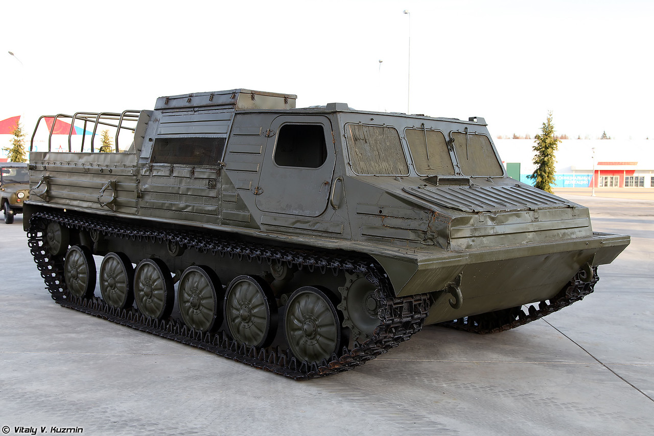 Транспортер-тягач ГТ-ТМ (GT-TM transporter-tractor unit)
