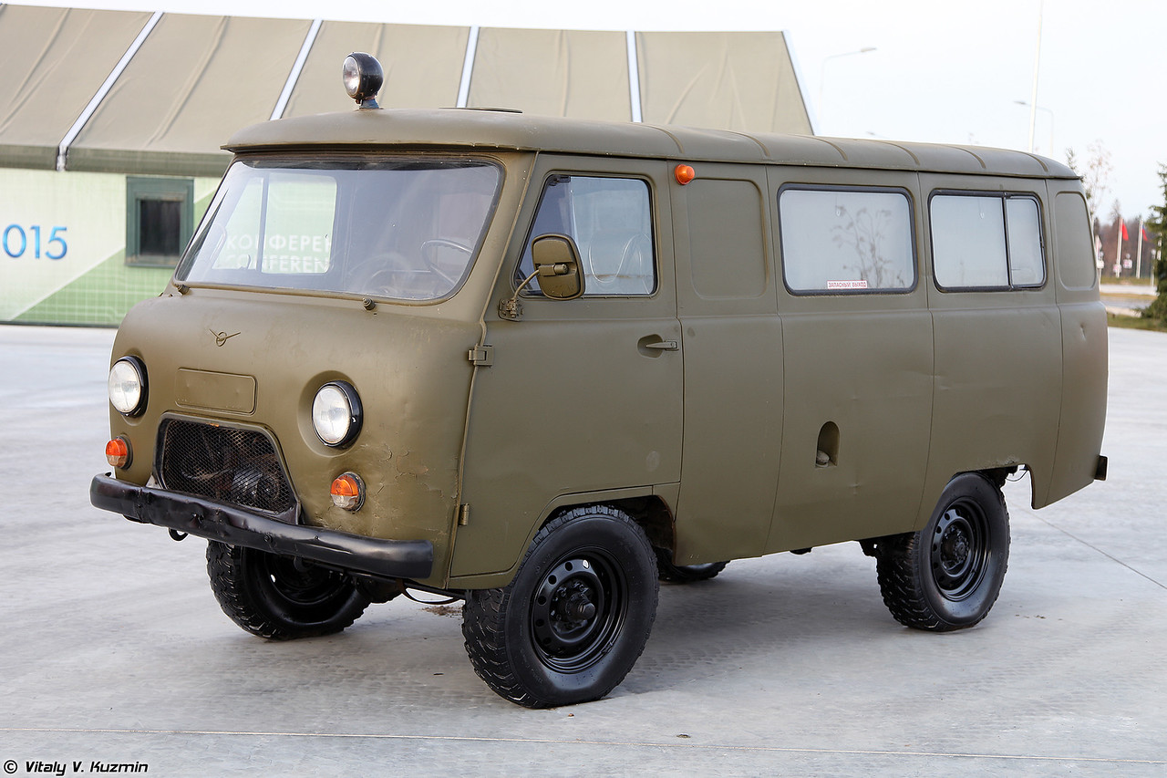 УАЗ-452 (UAZ-452)