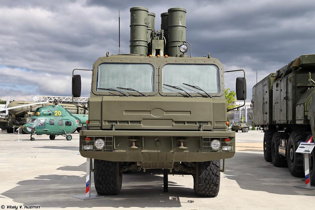 Пусковая установка 5П85ТЕ2 ЗРC С-400 (5P85TE2 TEL for S-400 missile system)