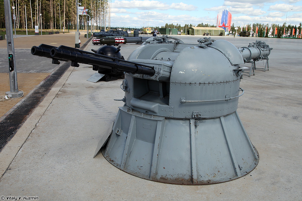 30-мм спаренная автоматическая корабельная артиллерийская установка АК-230 (30mm AK-230 naval weapon system)
