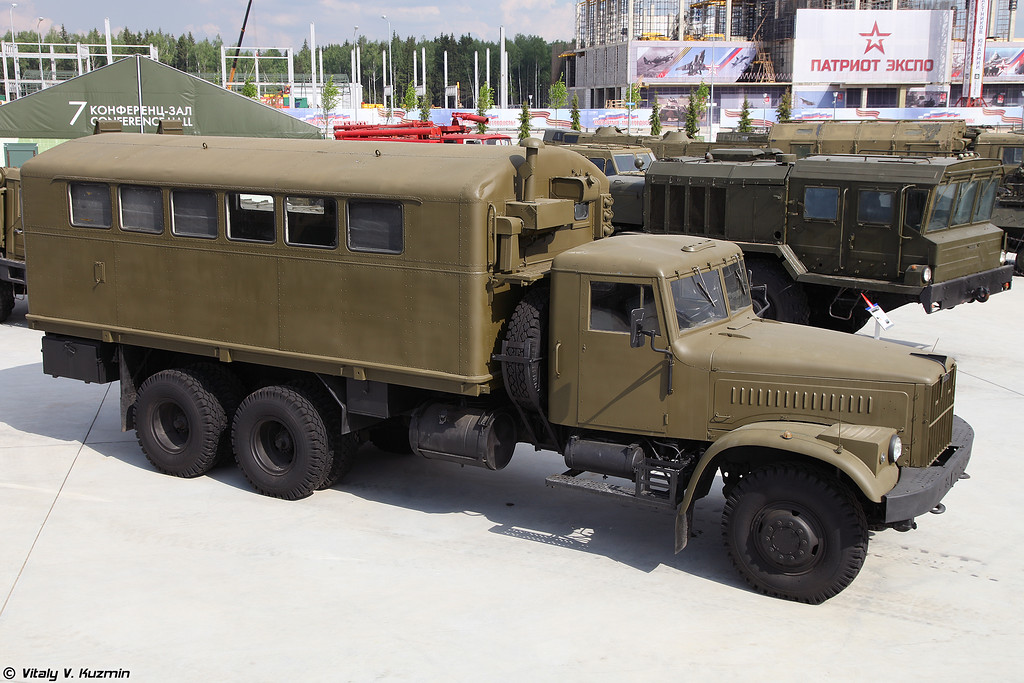 КрАЗ-257 с кузовом К-257 (KrAZ-257 with K-257 multifunctional compartment)