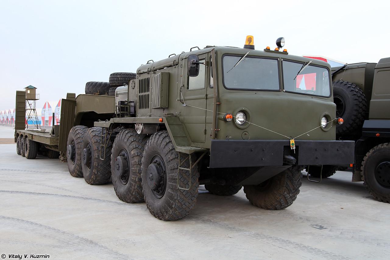 Седельный тягач МАЗ-537Г (MAZ-537G military tractor unit)