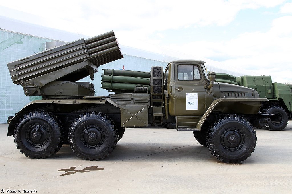 БМ 2Б17 РСЗО 9К51 Град (2B17 launching vehicle of 9K51 Grad MLRS)
