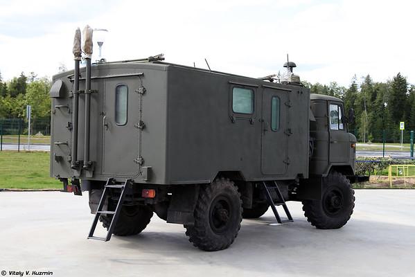 veículo de comando-equipe R-142N [R-142N veículo de comando)