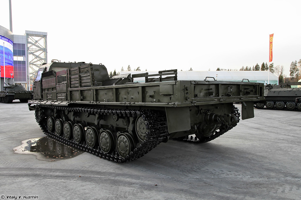 Транспортер-тягач МТ-Т (MT-T heavy transporter-tractor unit)