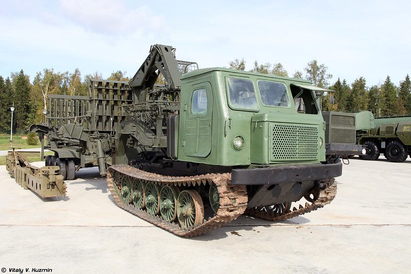 Трубоукладочная машина ТУМ-150 (TUM-150 pipelayer)