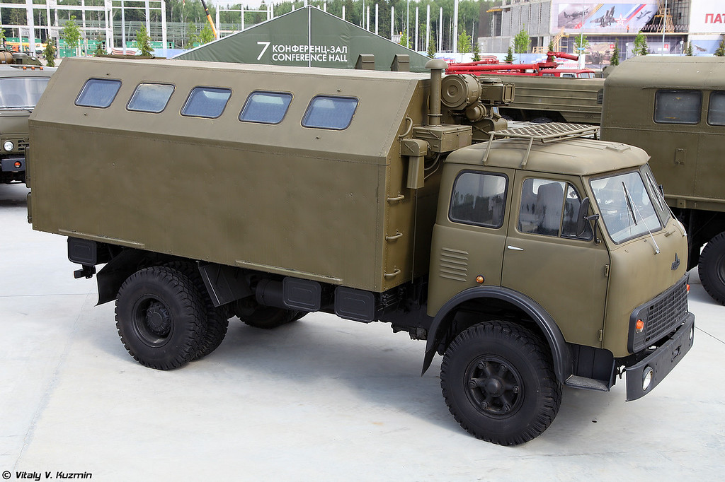 МАЗ-5334 с кузовом КМ-500 (MAZ-5334 with KM-500 compartment)