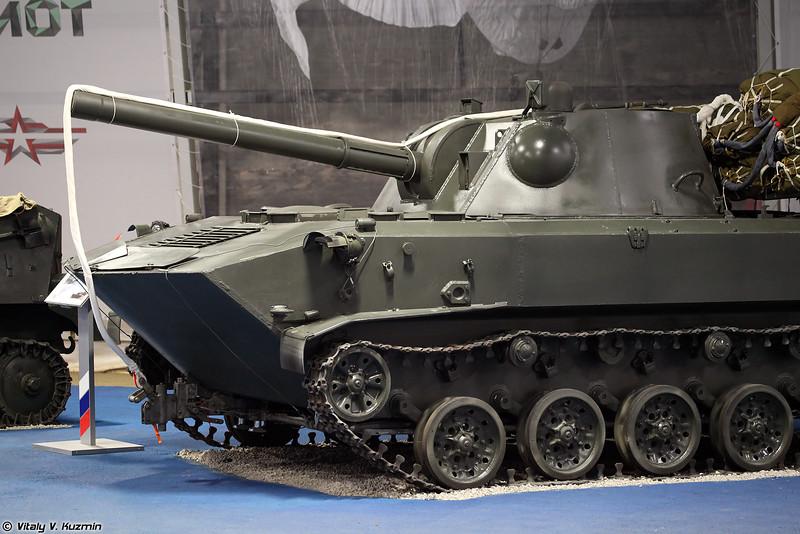 120-мм самоходное артиллерийское орудие 2С9 Нона-С (120mm self-propelled gun 2S9 Nona-S)