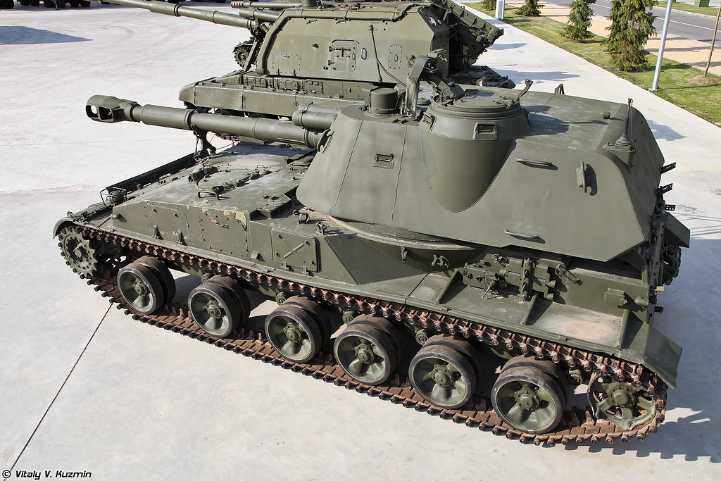 2С3 Акация (2S3 Akatsiya self-propelled artillery)