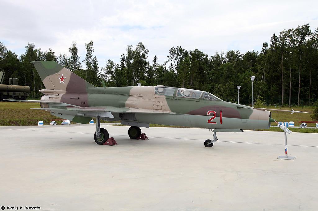 МиГ-21УМ (MiG-21UM)