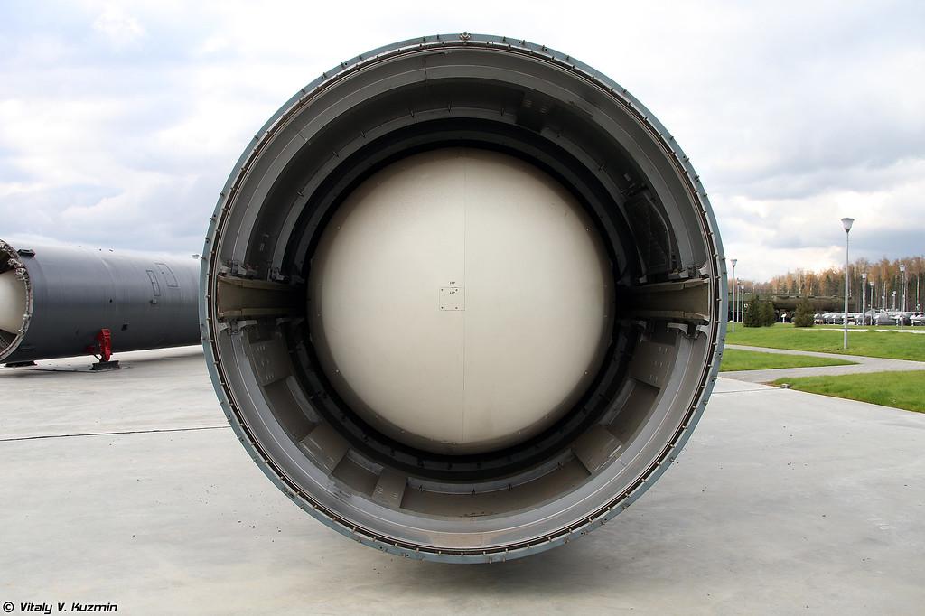 Межконтинентальная баллистическая ракета шахтного базирования 15А35 / УР-100Н УТТХ / РС-18Б в транспортно-пусковом контейнере 15Я54 (15A35 / RS-18B / SS-19 mod.2 Stiletto ICBM in 15Ya54 transport launching container)