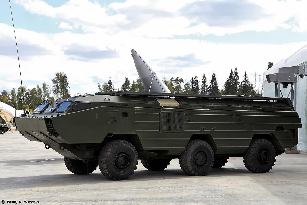 Пусковая установка 9П129 тактического ракетного комплекса 9K79 Точка (9P129 launching vehicle of 9K79 Tochka missile system)