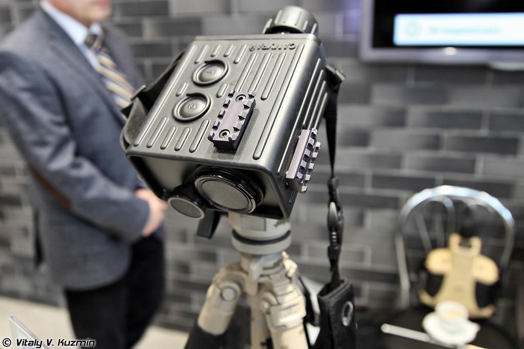 Прибор наблюдения и обнаружения оптических средств Самурай (Samurai surveillance and detection of optical systems device)