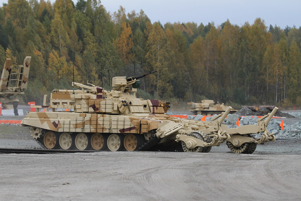 Бронированная машина разминирования БМР-3М (Armored mine-clearing vehicle BMR-3M) Автор: Алексей Китаев (Courtesy: Aleksey Kitaev)