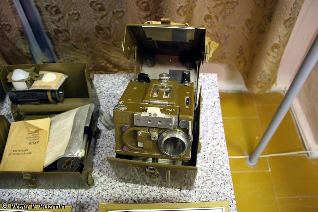 Полуавтоматический газоопределитель ПГО-11 (Semi-auto gas detector PGO-11)
