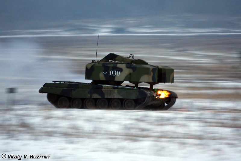 Транспортно-заряжающая машина ТЗМ-Т из состава ТОС-1А (Reloading vehicle TZM-T from TOS-1A system)