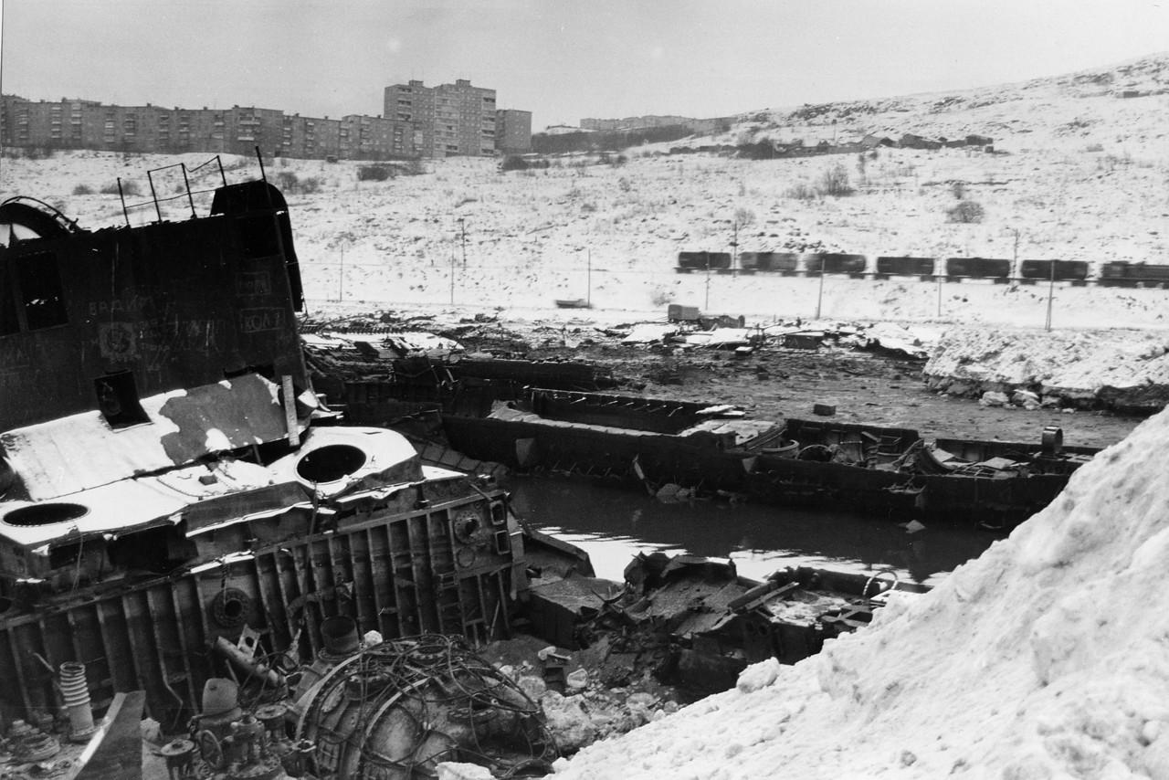 Murmansk: The Ships' Graveyard. Nov 1997
