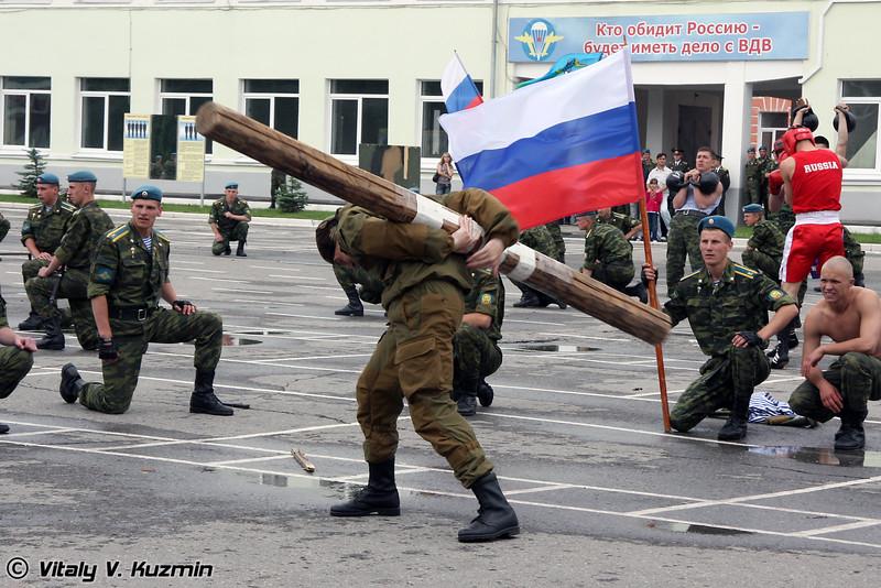 Показательные выступления курсантов РВВДКУ (Demonstration of VDV combat hand-to hand skills)