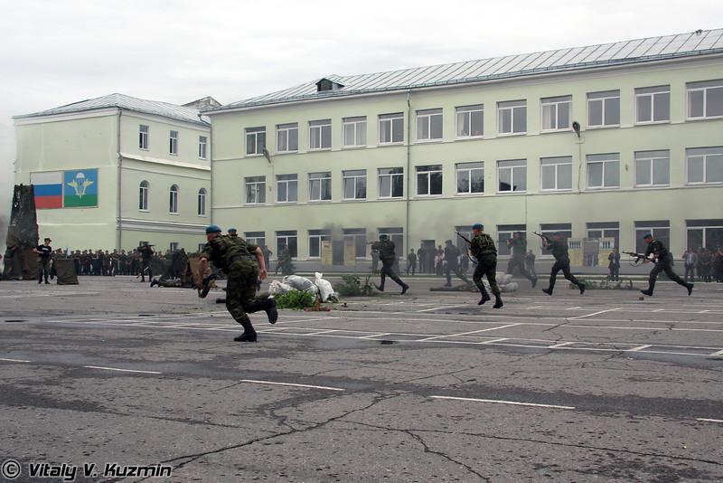 Демонстрация захвата блок-поста (The demonstration of check point assault)
