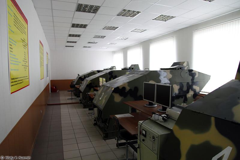 Тренажерный класс БМД-2 и БМД-3 на кафедре вождения (BMD-2 and BMD-3 simulators)