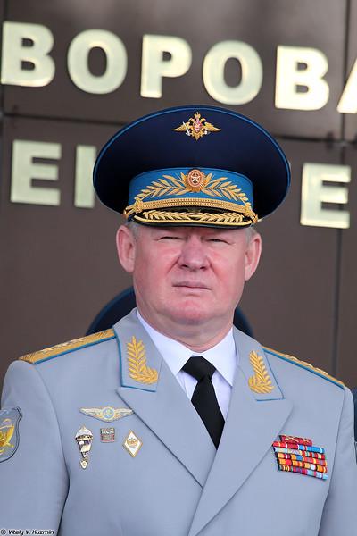 Командующий Воздушно-десантными войсками генерал-полковник Андрей Сердюков (Commander of the Russian Airborne Troops colonel general Andrey Serdyukov)