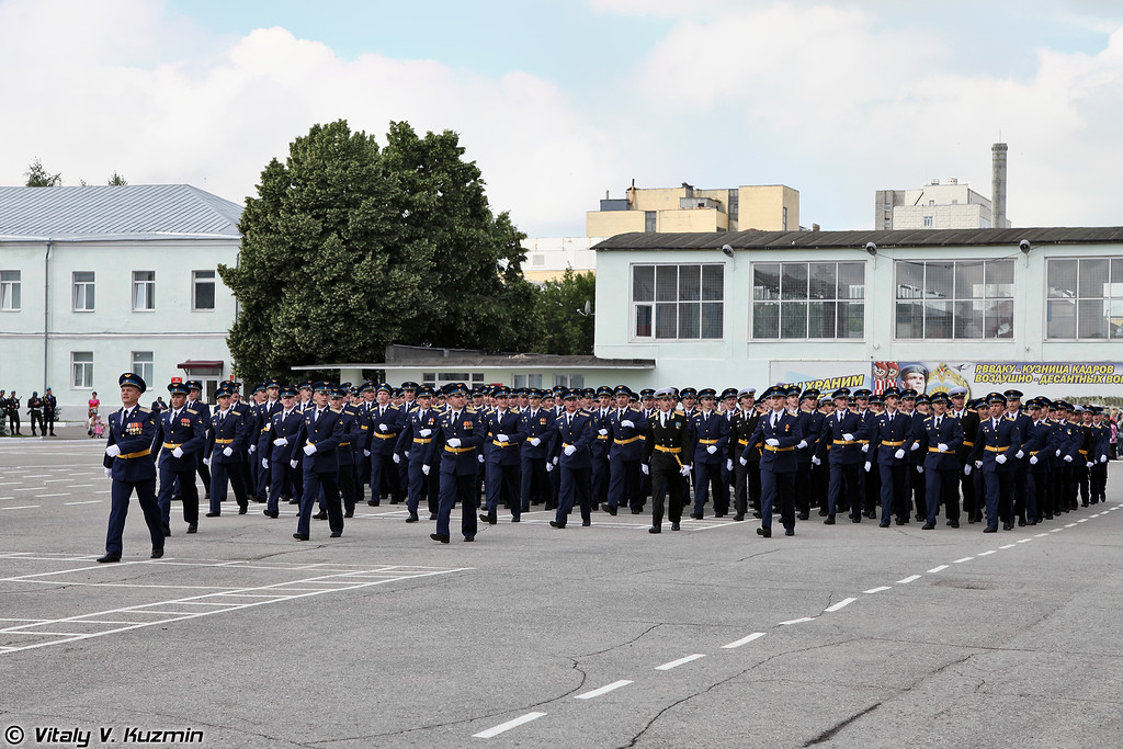 Прохождение подразделений со строевой песней. Каждый батальон исполняют свою песню (Marching with the unit's song)