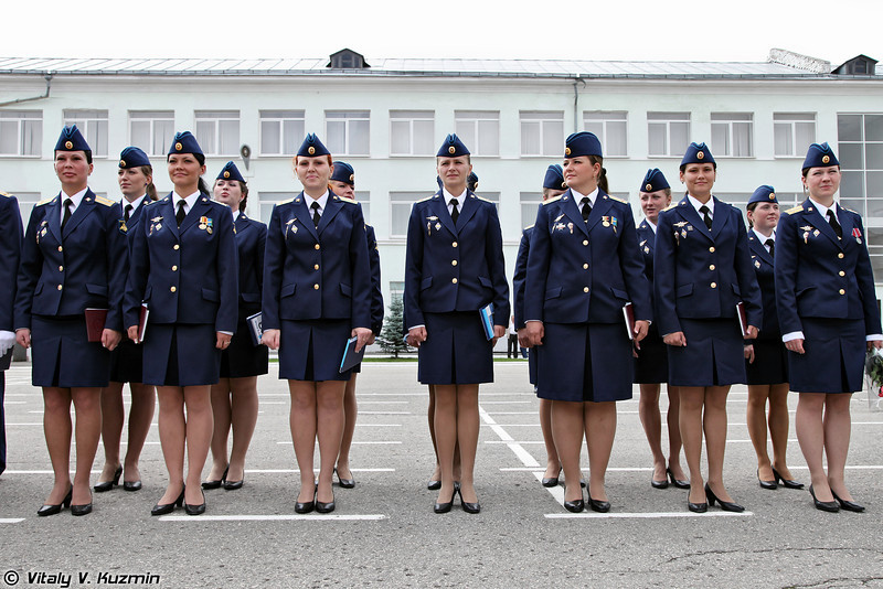 Выпуск первого набора девушек (Graduation of the first group of female cadets in RVVDKU)