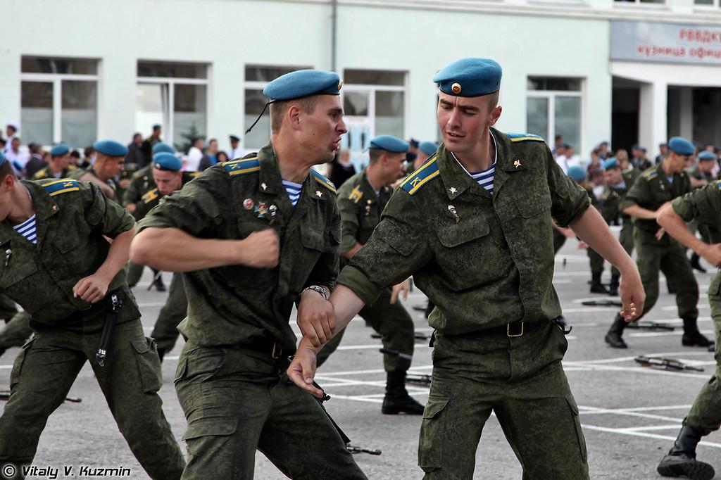 Показательные выступления курсантов РВВДКУ (VDV Combat skills demonstration)