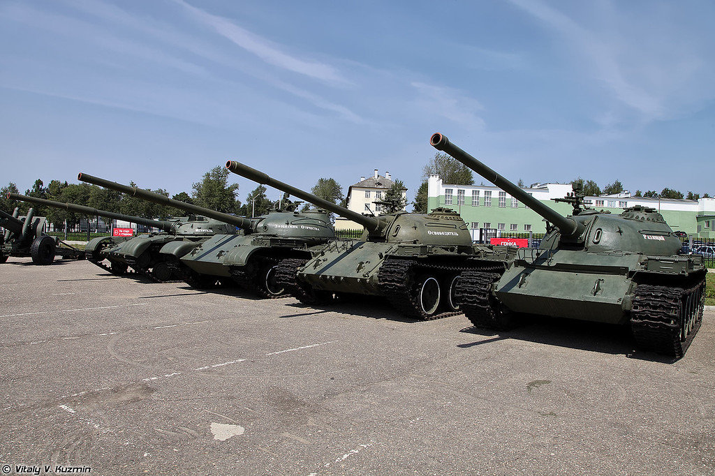 Танки Т-64, Т-62 и Т-54 (T-64, T-62 and T-54 tanks)